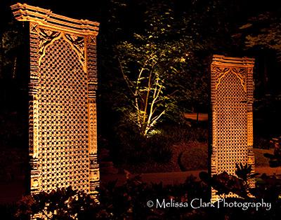 wooden screens, sculpture in the garden
