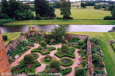 Broughton castle garden shoots for Knot garden design ideas